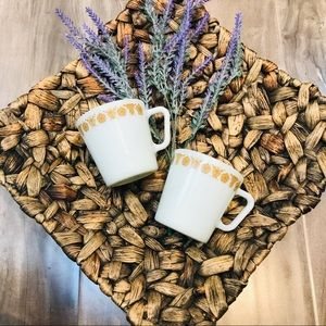 🔥HOST PICK🔥 PYREX butterfly gold mugs (2)